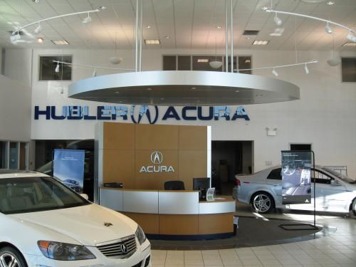 Hubler Acura Interior showroom and welcome desk