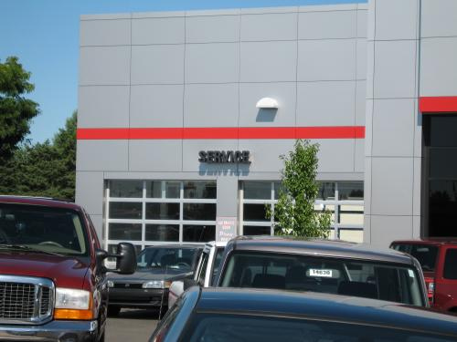 Beck Toyota  front service entrance