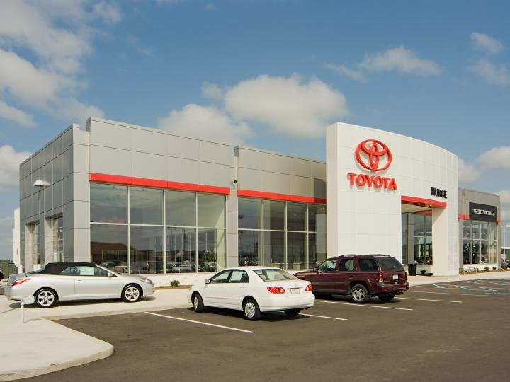 Toyota of Muncie front left