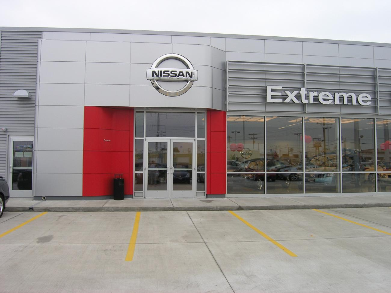 Extreme Nissan front