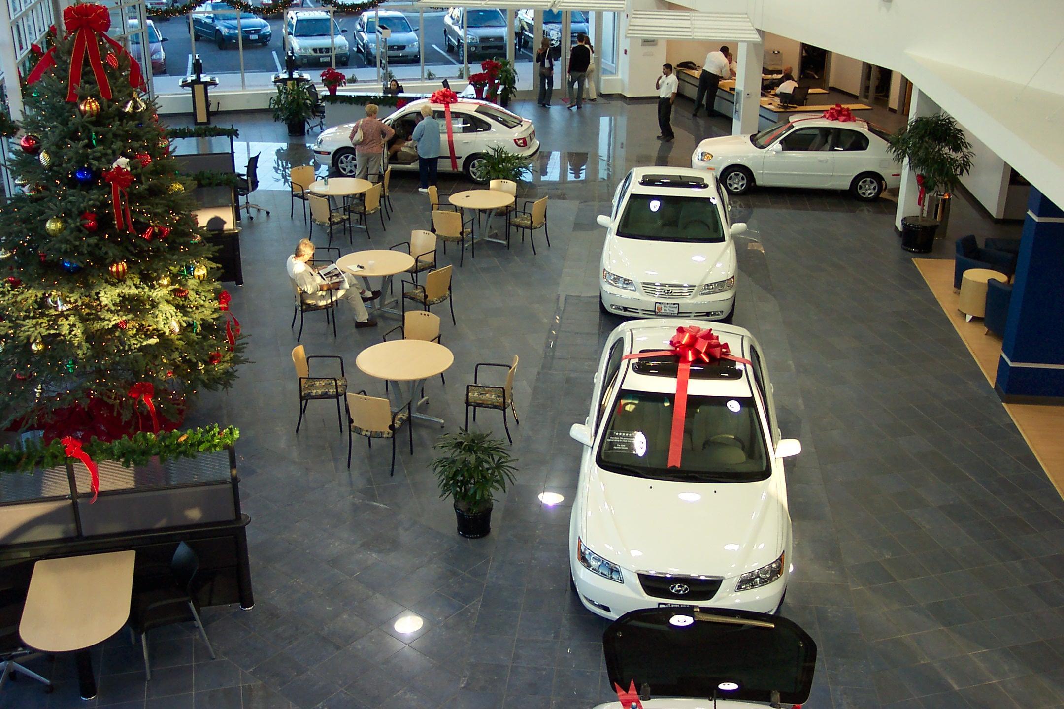 Ou0027Brien Hyundai Showroom Above