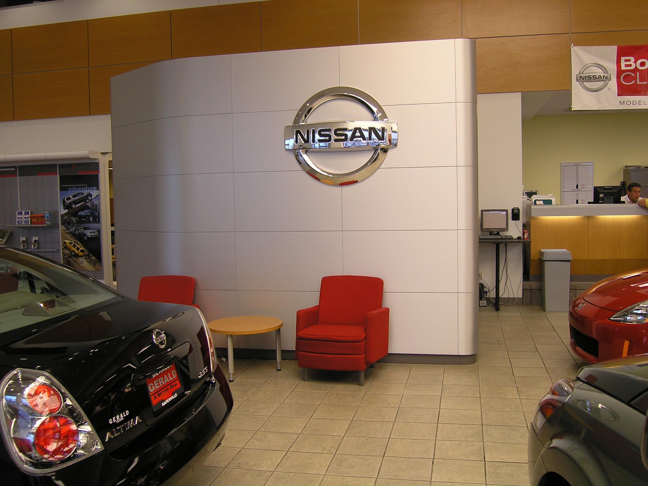 Gerald Nissan Display